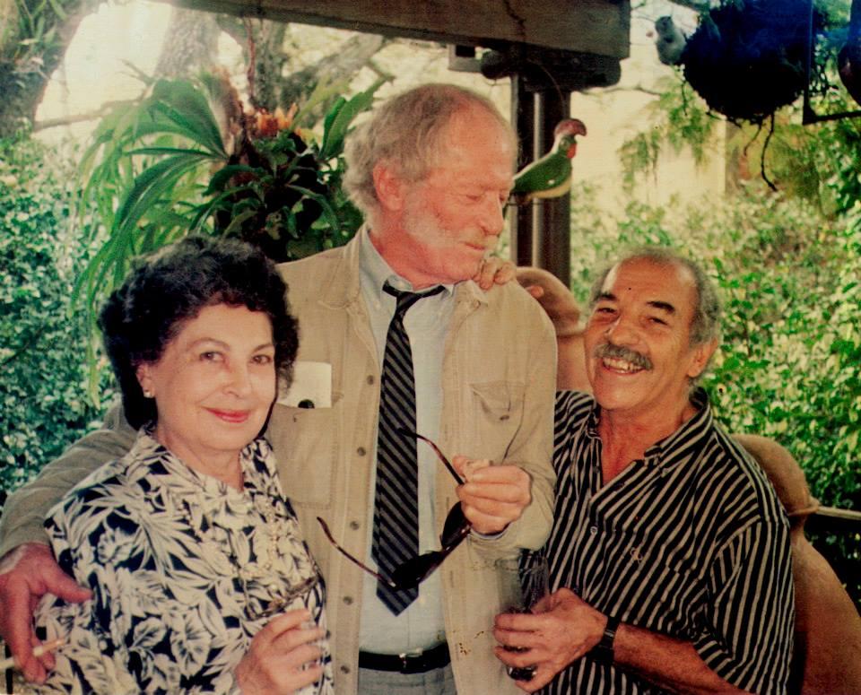 Con Lucy Tejada y Alejandro Obregón en su última visita a Cali.